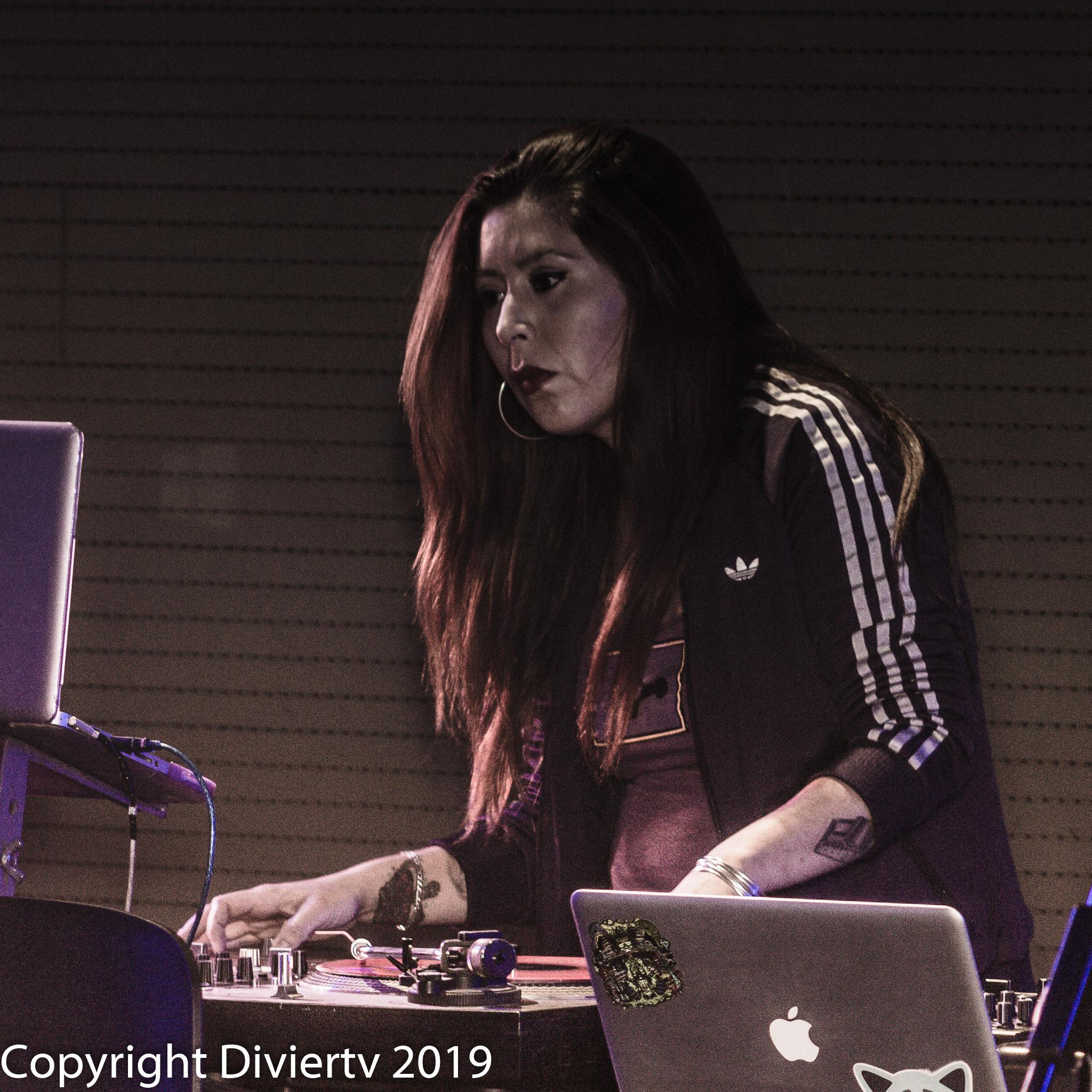 DJ REINA
